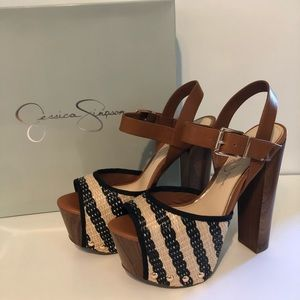 Jessica Simpson Daelyn Heels